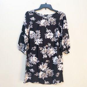 ❤️ Old Navy Black Floral Shift Dress S